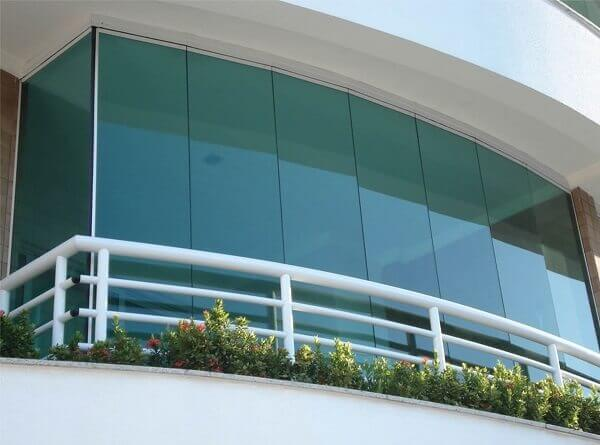 Glass balcony for commercial building