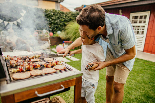 Outdoor Barbecue: Small, Modern, Rustic and More Models