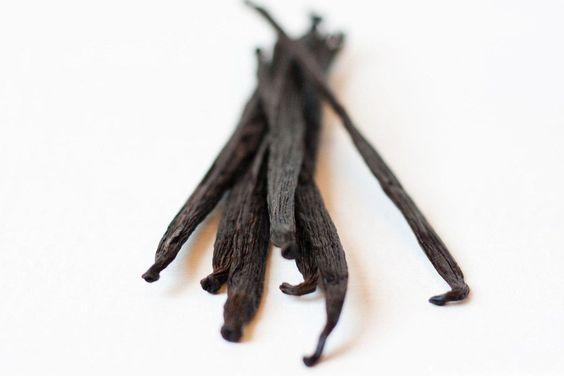 Vanilla, when made in essence, helps to remove the smell and perfume the refrigerator.